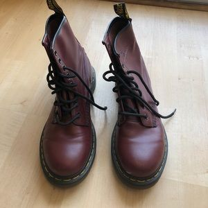 Dr. Martens 1460 boot in Cherry red smooth size 7